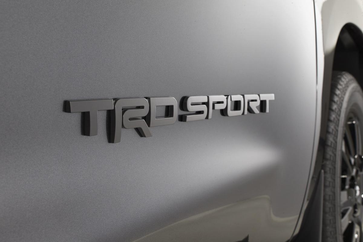 18-Toyota-Sequoia-8