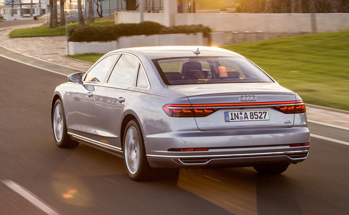 2019-Audi-A8-3431