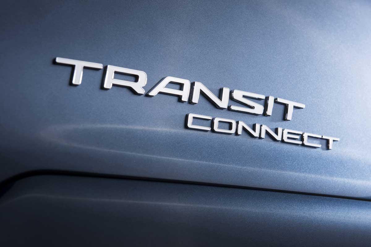 TransitConnectWagon_12_HR