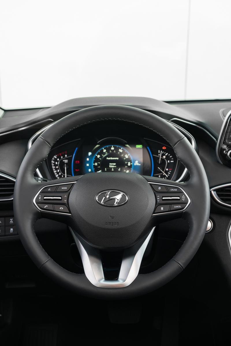 19-Hyundai-Santa-Fe-14
