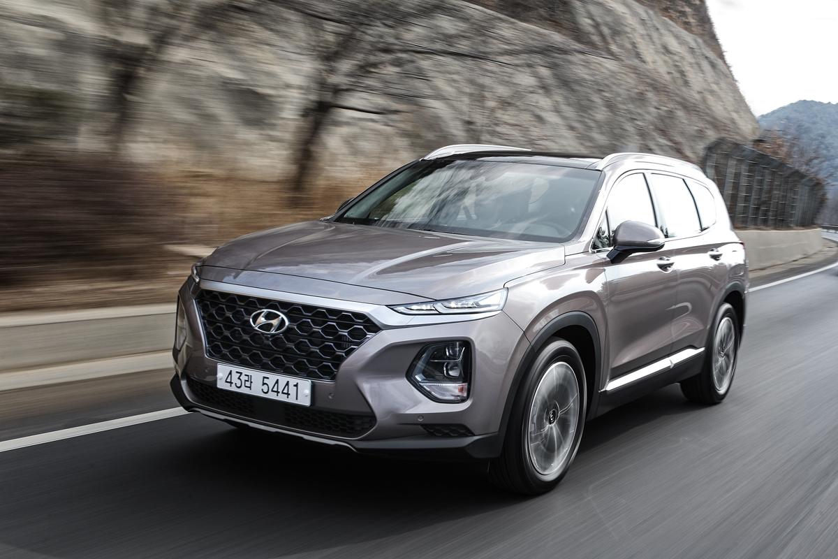 Truck Step Up >> First Look: 2019 Hyundai Santa Fe - TestDriven.TV