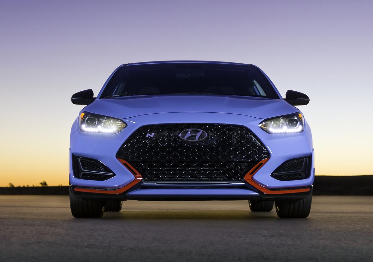 19-Hyundai-Veloster-14