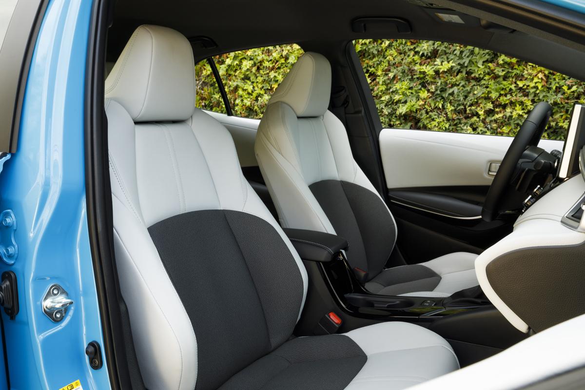 19-Corolla-Hatch-9