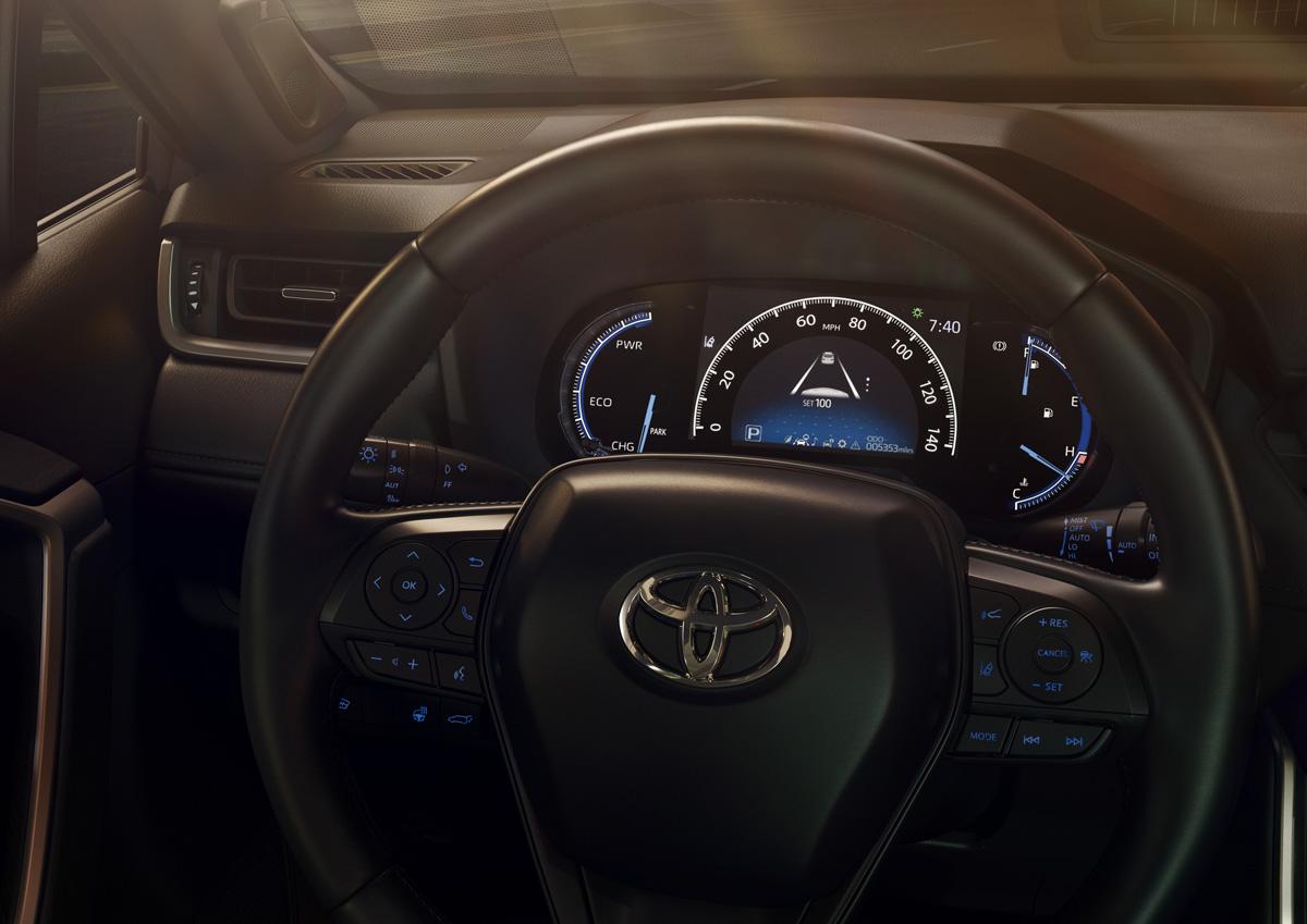 19-Toyota-RAV4-9