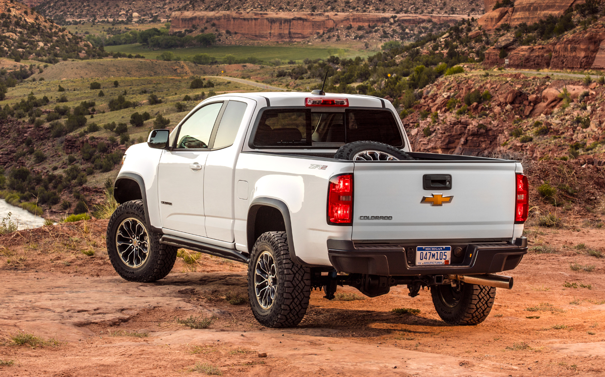 17-Chevy-Colorado-ZR2-15