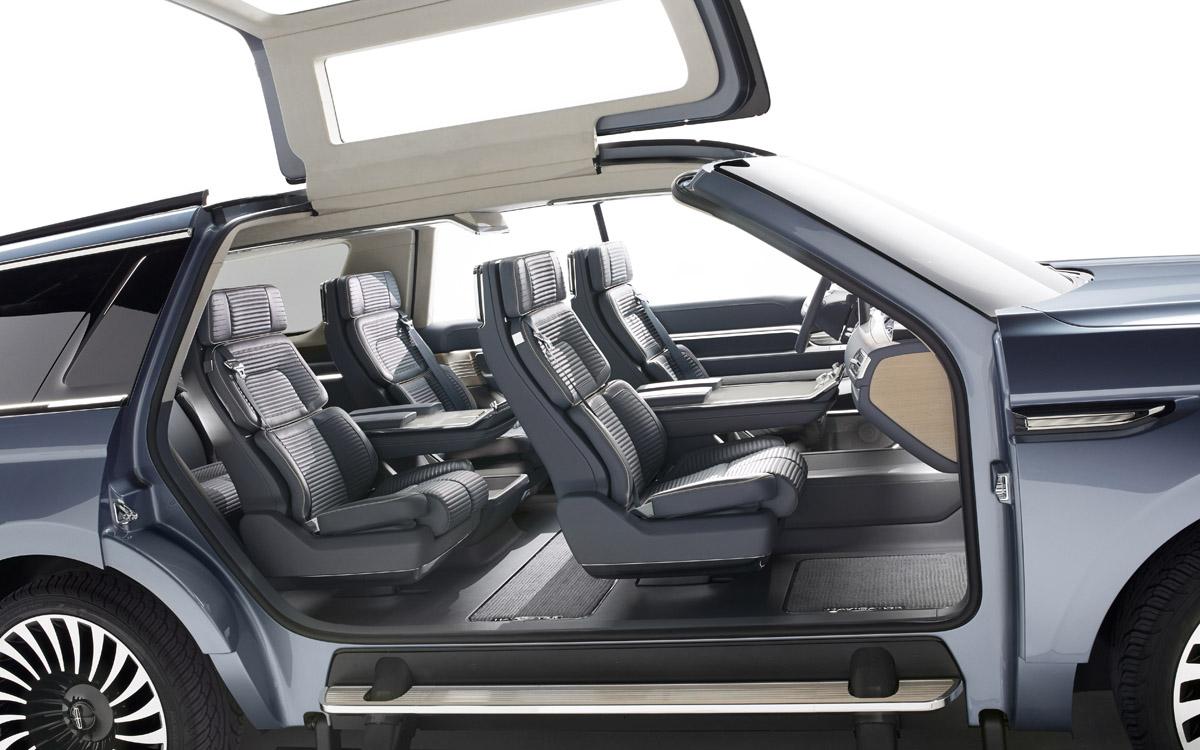 Lincoln Navigator Concept spacious interior