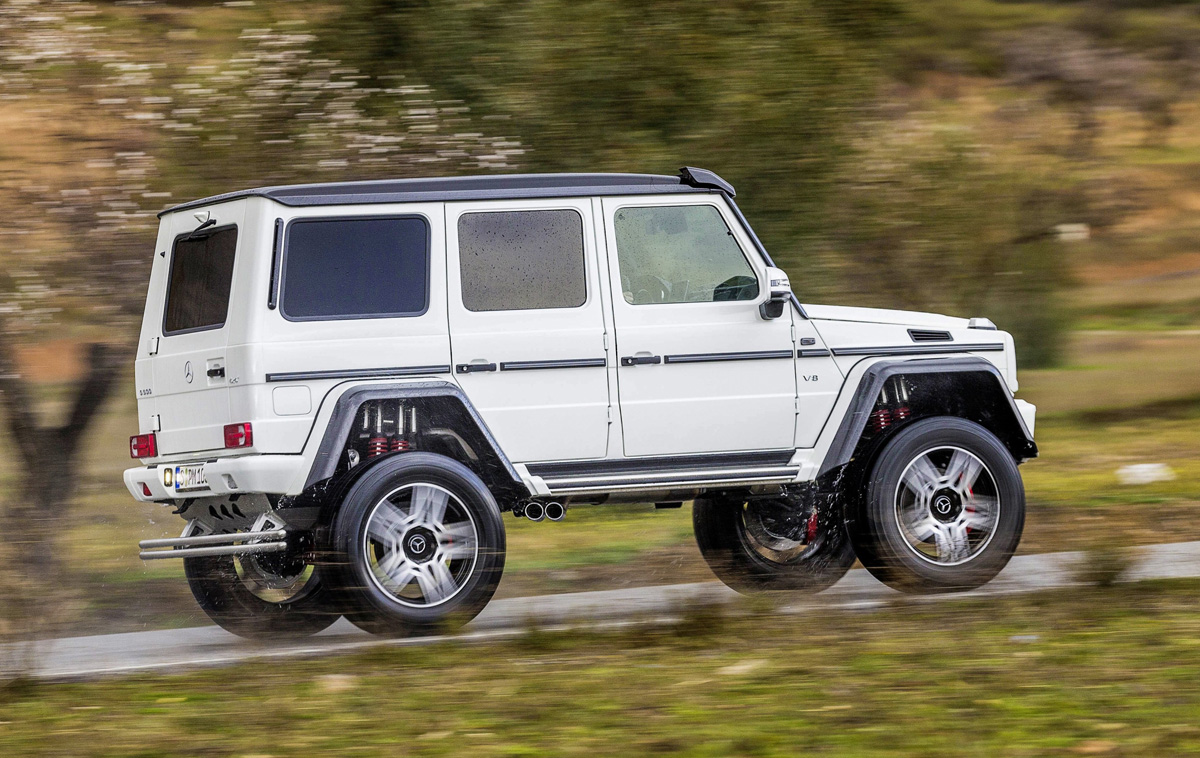 Coming to america 2017 mercedes benz g550 4 4 for Mercedes benz that looks like a jeep
