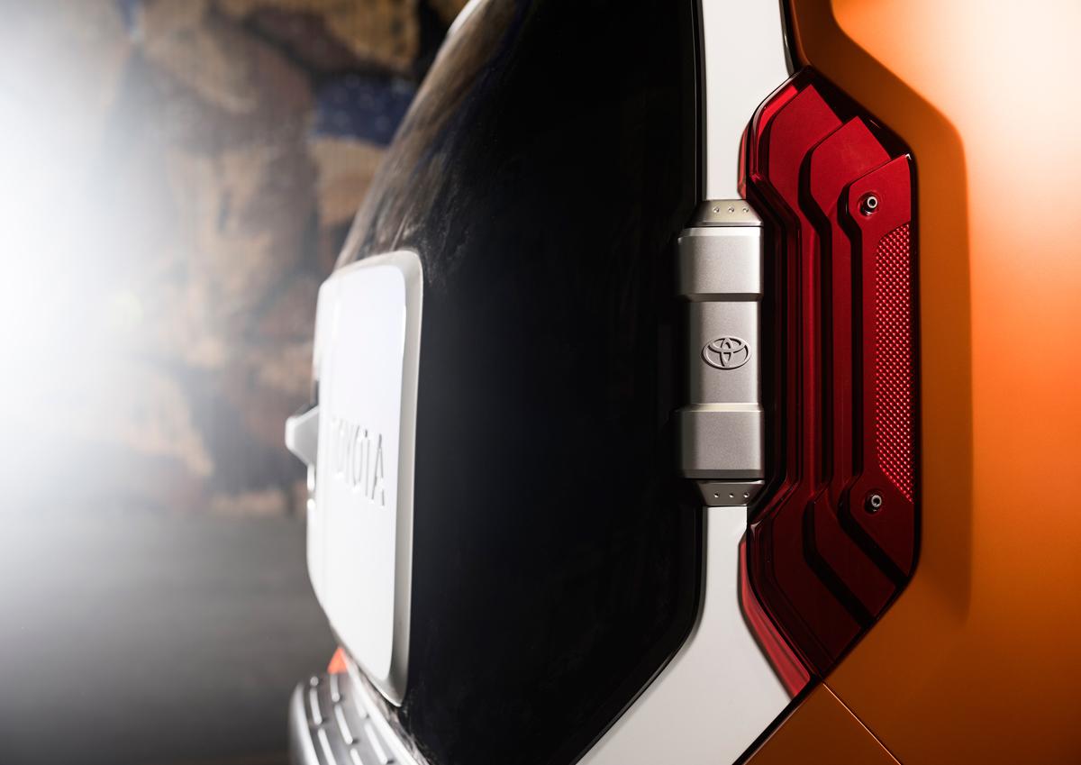 Toyota-FT4X-Concept-5