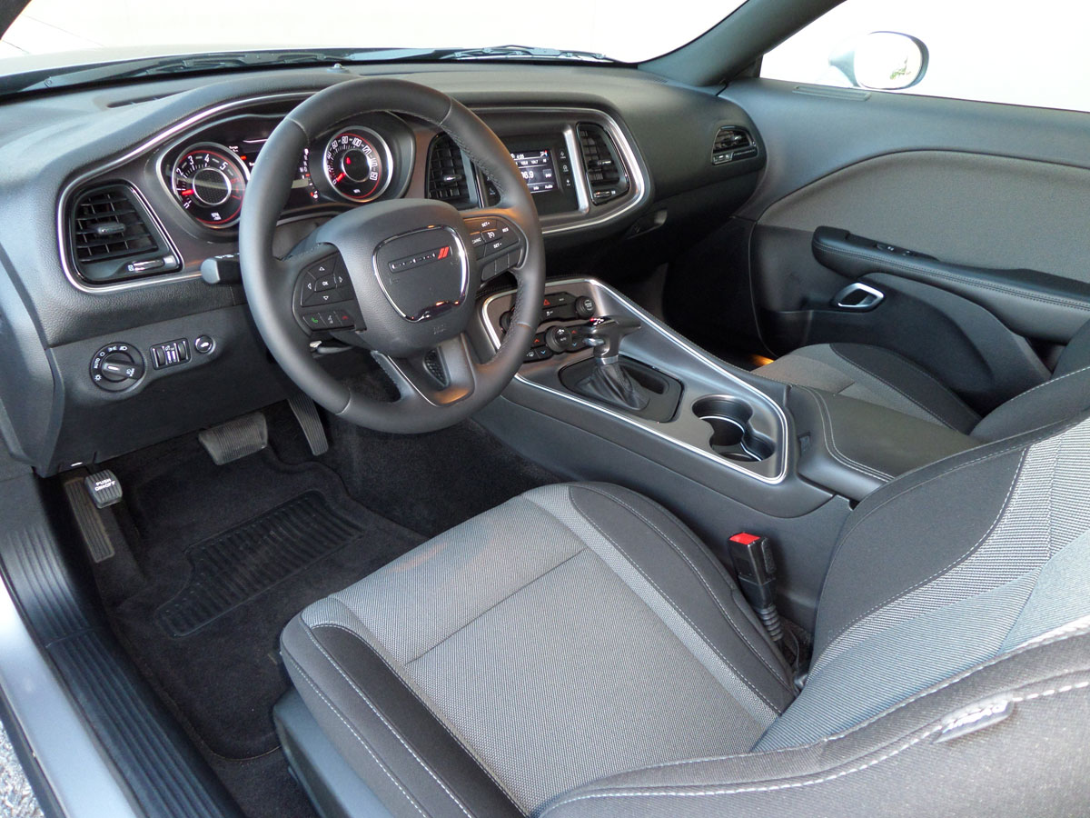15 Dodge Challenger 16