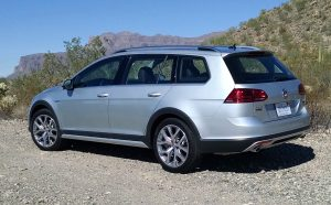 17-vw-golf-alltrack-2